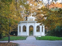 Holiday in Maksimir Park poi in Croatia